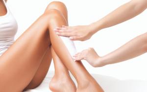 legs getting waxed