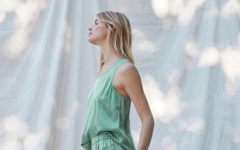 Girl wearing a green lounge set
